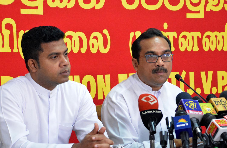 Bimal-Rathnayake-with-Dr.-Nalinda-Jayathissa